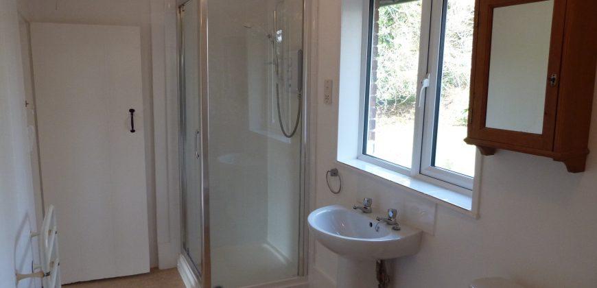 Peasmarsh – 2 Bedroom Semi Detached Cottage